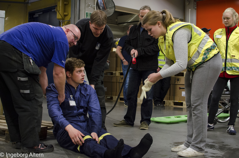 IV på Schibsted Trykk og ambulanselinja på Strømmen vgs øvde på 3 ulike scenarioer tirsdag 3. mai 2016